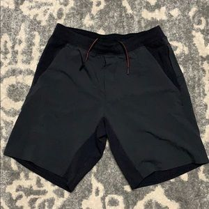 Lululemon 9 Inch Black Short XL
